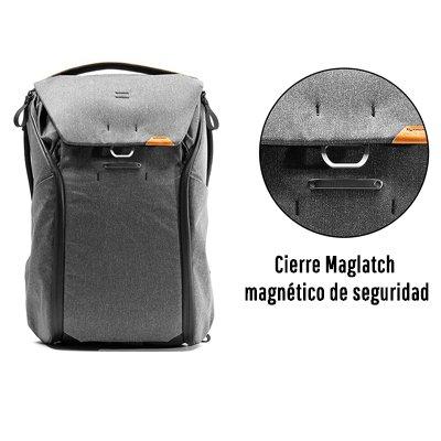 Mochilas Peak Design cierre maglatch